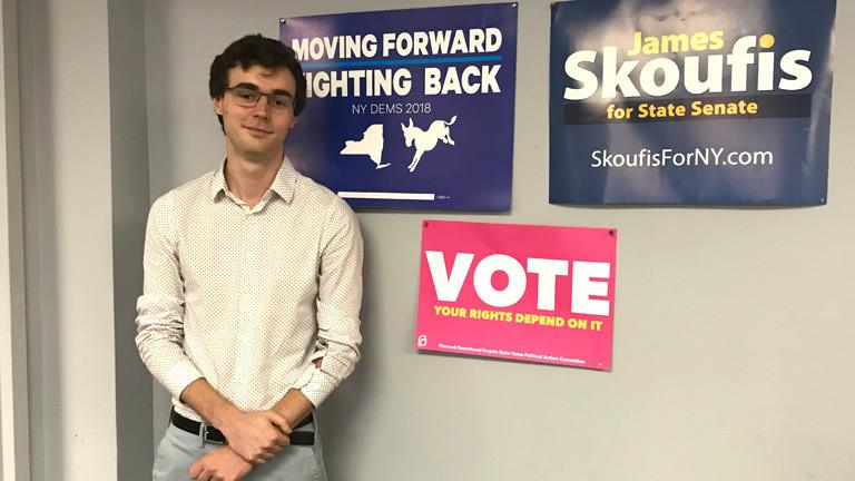 Matt ist US-amerikanischer Wähler. Seine Stimme gibt er den Demokraten.