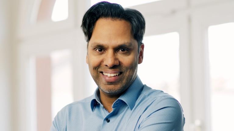Murtaza Akbar, Kommunikationsexperte