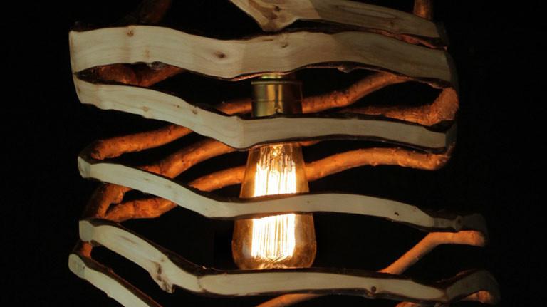 Eine selbst gewachsene Lampe des Designers Gavin Munro