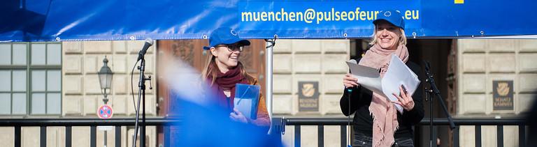 Aktivistinnen von Pulse Of Europe in München