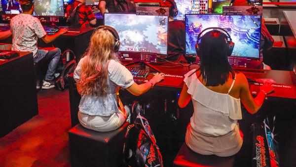 Jugendliche bei der Gamescom 2019