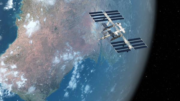 Eine Grafik der ISS im Weltraum