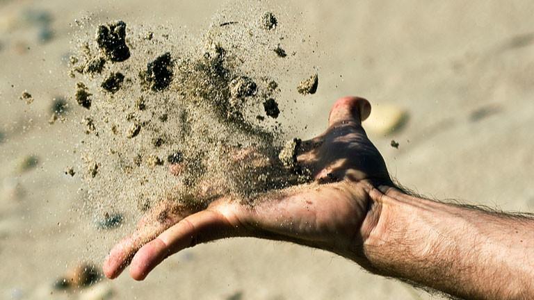 Dieser Sand liegt noch am Strand und nidht im Sandmuseum.