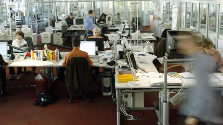 Wortredakteure in der Textredaktion im Hauptstadtbüro der Deutschen Presse-Agentur GmbH (dpa) in der Reinhardtstraße in Berlin, aufgenommen 2008.