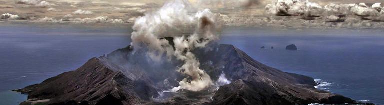 Neuseelands aktivster Vulkan Whakarri (White Island).