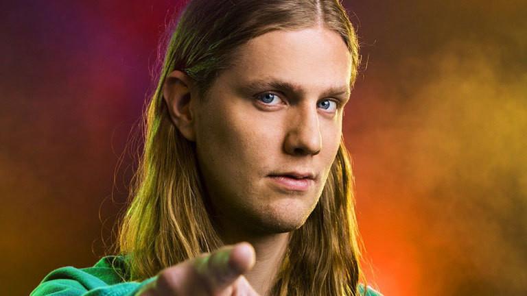 Dadi Freyr - isländischer Musiker, der für Island beim Eurovision Song Contest 2020 antreten wird.