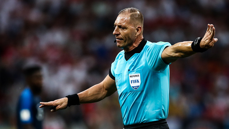 MOSCOW, RUSSIA - JULY 15, 2018: Referee Nestor Pitana in the 2018 FIFA World Cup Final match between France and Croatia at Luzhniki Stadium. Valery Sharifulin/TASS Foto: Valery Sharifulin/TASS/dpa