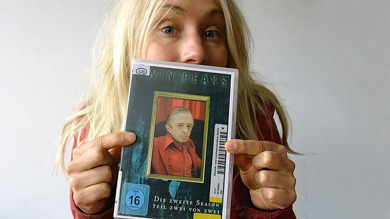 Franziska Felber mit Twin Peaks DVD