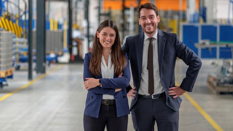 Annika Trappmann und Hugo Sebastian Trappmann in der Blechwarenfabrik Limburg