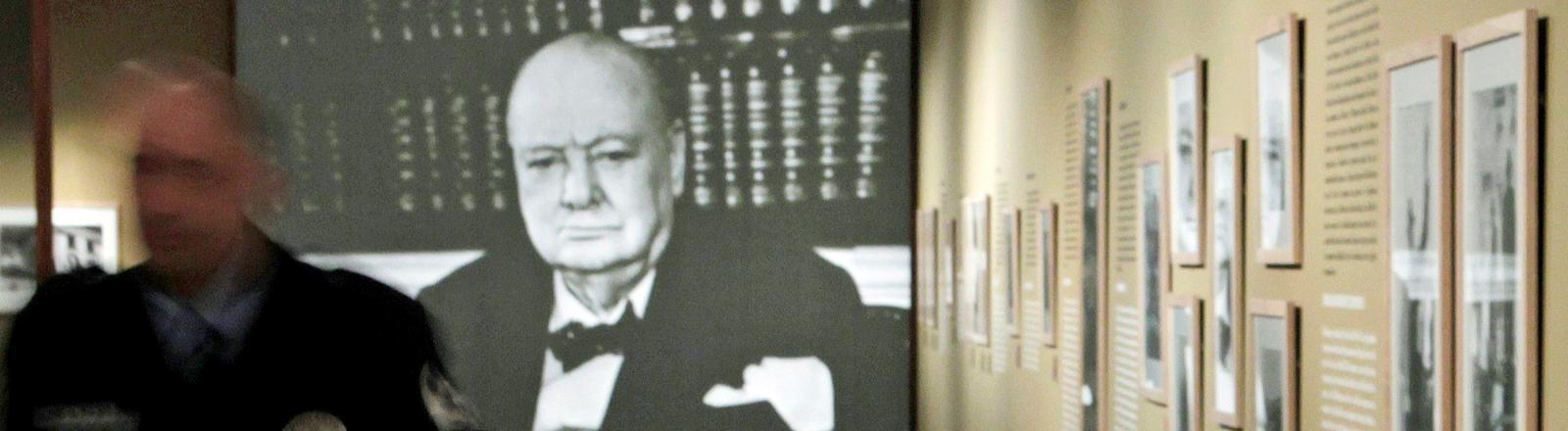 Eine Szene aus der Ausstellung 'Caminando con el destino. Winston Churchill y Espana:1874 _ 1965' in Madrid.