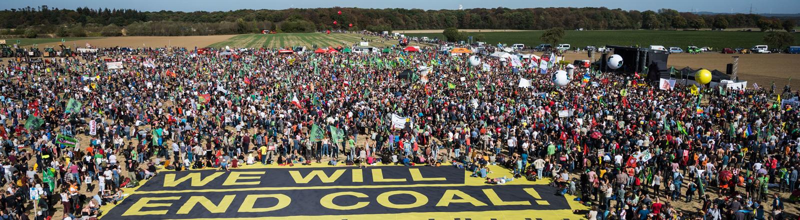 Luftaufnahme einer Demo