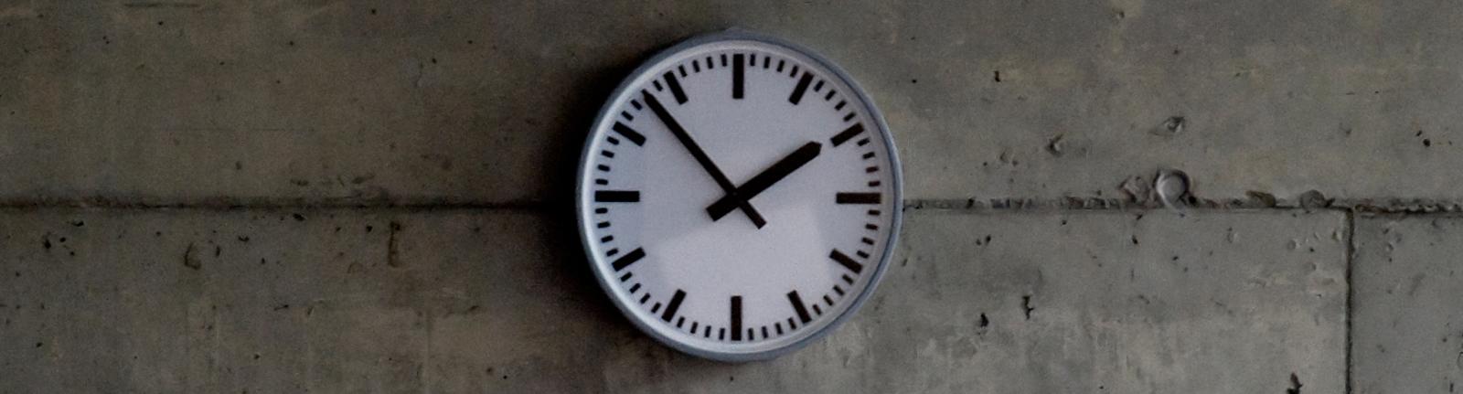Die Zeitumstelung bringt nichts. Und trotzdem ändern wir das nicht.