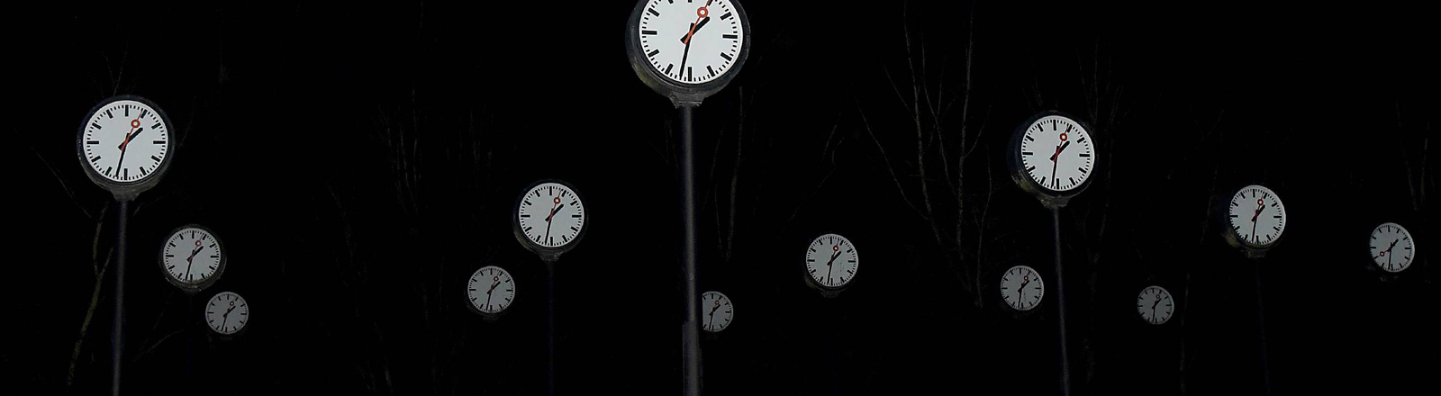 Viele Uhren