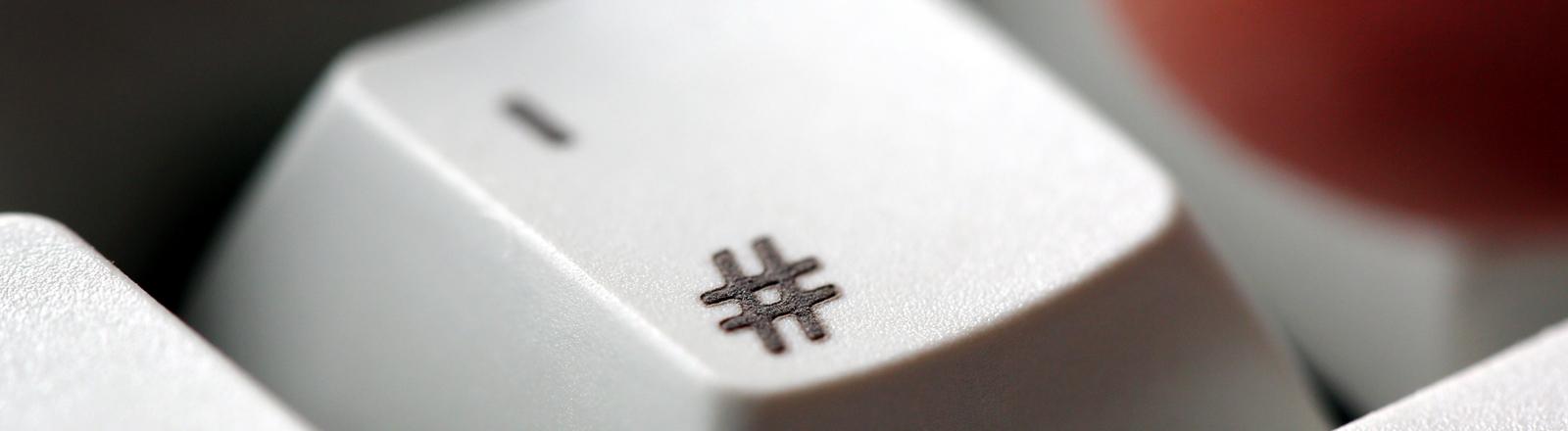 Hashtag-Symbol auf einer Computertaste