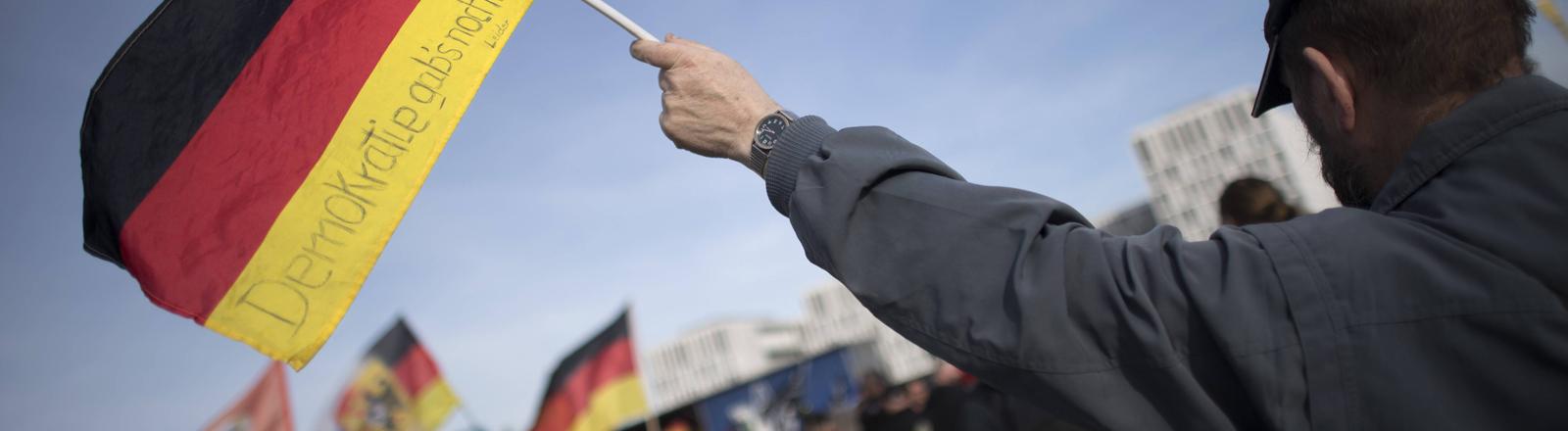 Demonstration rechter Gruppen im Berliner Regierungsviertel im März 2017.