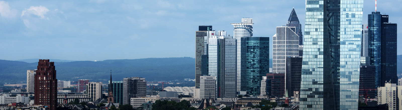 Skyline der Banken-Hochhäuser in Frankfurt.
