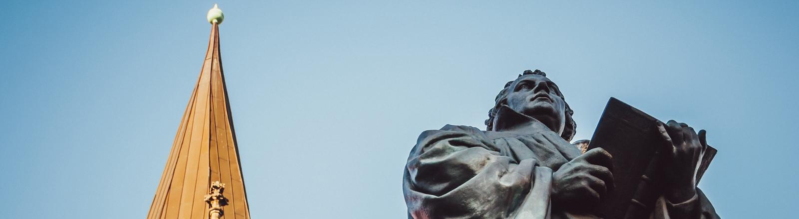 Statue von Martin Luther in Erfurt.