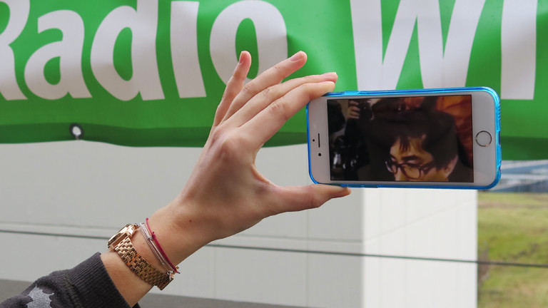 Anna Kohn testet Virtual Reality App VRSE.