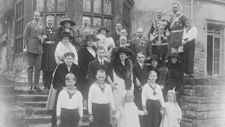 Ein Gruppenfoto der Familie Hohenzollern aus dem Jahr 1922