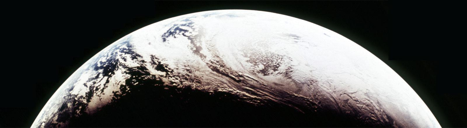 Die Erdkugel, wie sie aus dem Weltraum zu sehen ist.