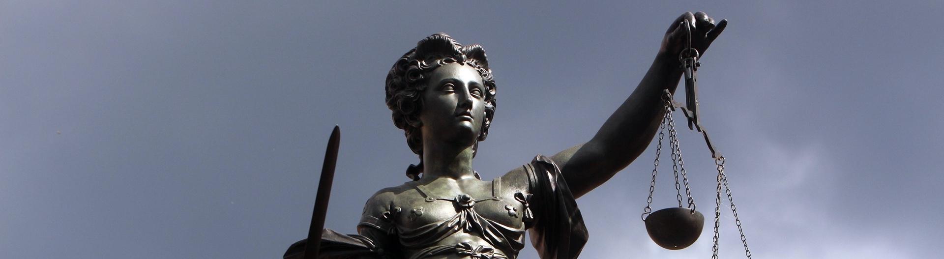 Justizia auf dem Römerberg in Frankfurt am Main