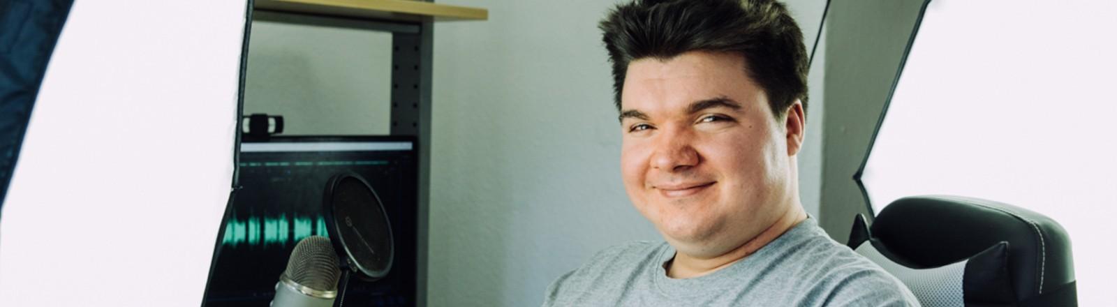 Lukas Krämer in seinem Youtube-Studio