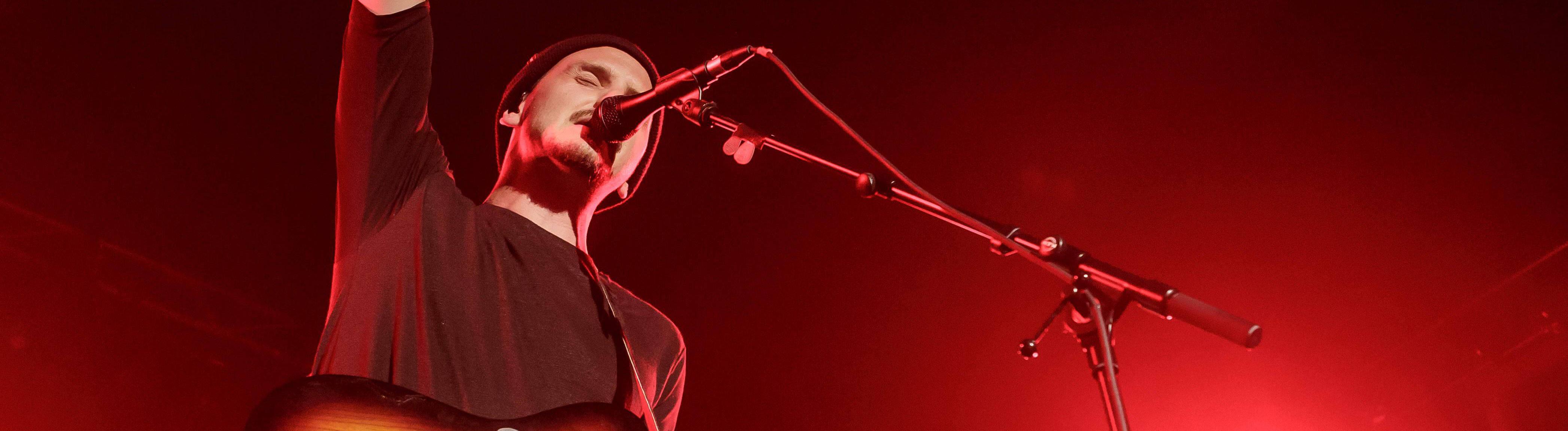 Der Sänger und Musiker Maxim - bürgerlich Maxim Richarz - steht am 23. September 2016 im Rahmen des Reeperbahn Festivals in Hamburg auf der Bühne.