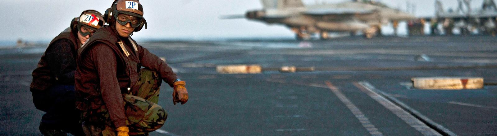 An Bord der USS Enterprise.
