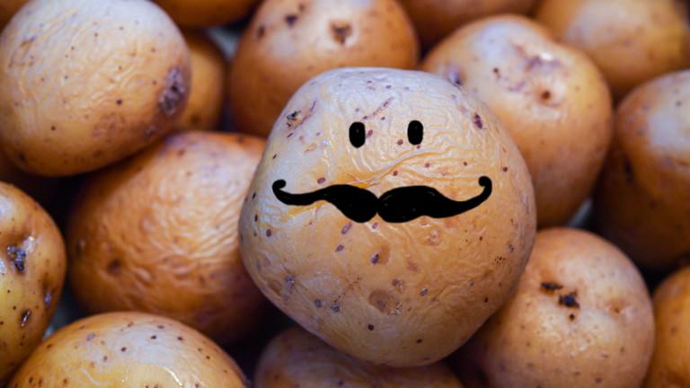 Eine Kartoffel mit einem Schnurrbart