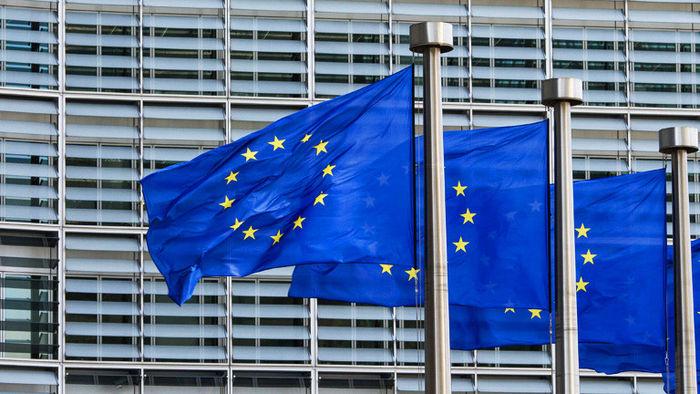EU-Flaggen in Brüssel vor dem Berlaymont