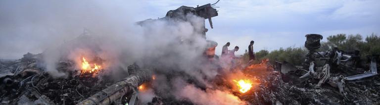 Flugzeugtrümmer nach Absturz von MH17