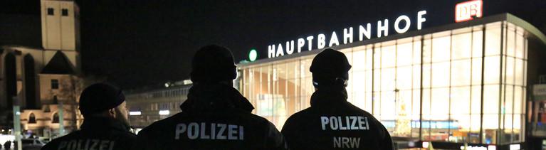 Polizei vor Kölner Hauptbahnhof