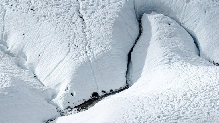 Gletscherspalte in der Schweiz.