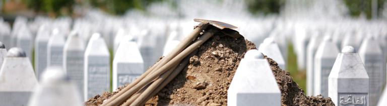 Der Friedhof von Srebrenica.
