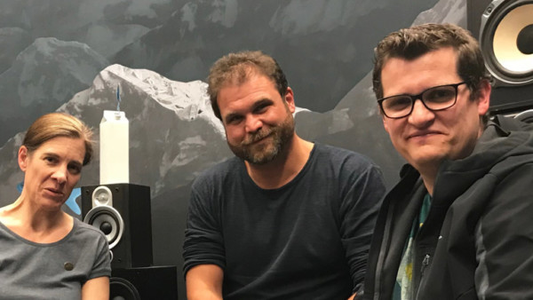 Ulrike Dronkovic, Fachanwätin für Verkehrsrecht, Radreporter Paulus Müller und Klaase Reese