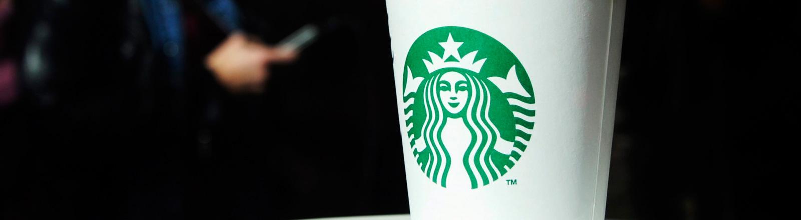 Starbucks-Becher
