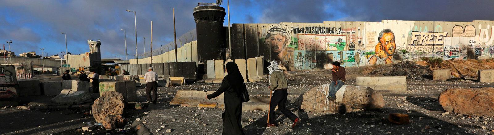 Der Kalandia-Checkpoint in Ramallah. Hier muss man passieren, um nach Jerusalem zu kommen.