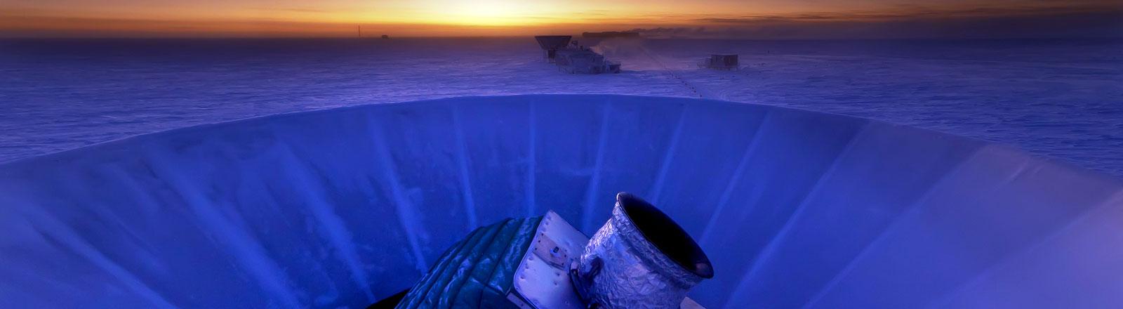 Mikrowellen aus dem All erforscht das Bicep2-Teleskop am Südpol.