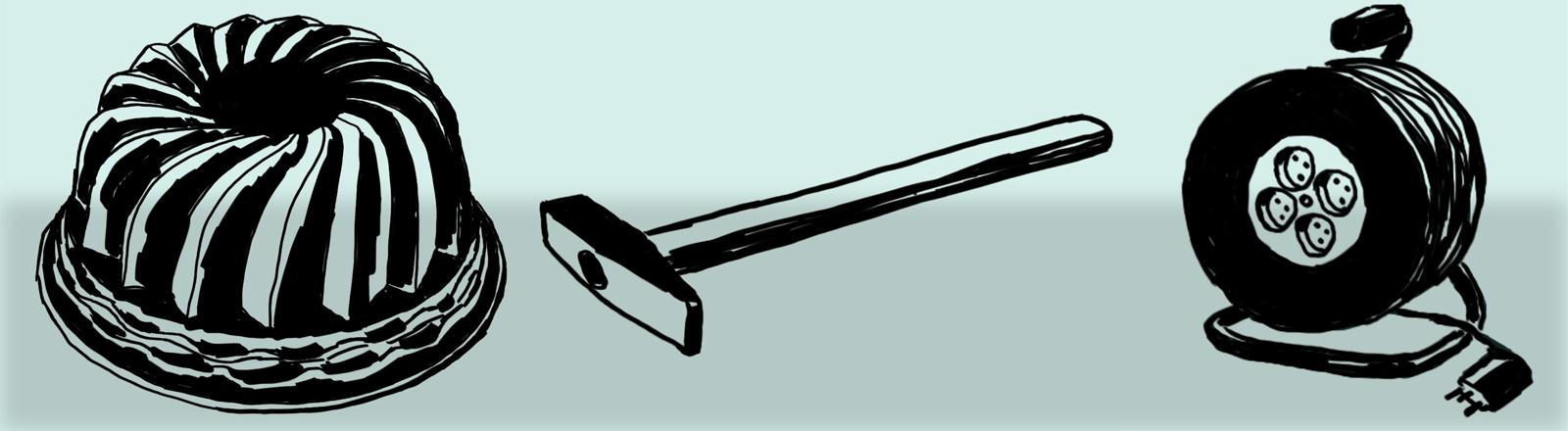 Ein Hammer, eine Gugelhupfform und eine Kabeltrommel vor blauem Hintergrund.