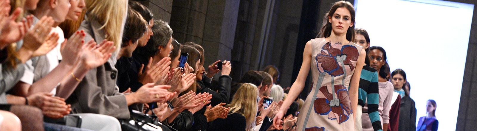 Eine Modenschau auf der Fashion Week in Berlin
