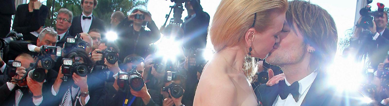 Der 19.05.2013 beim 66. Cannes Filmfestival: Nicole Kidman und Keith Urban knutschen.