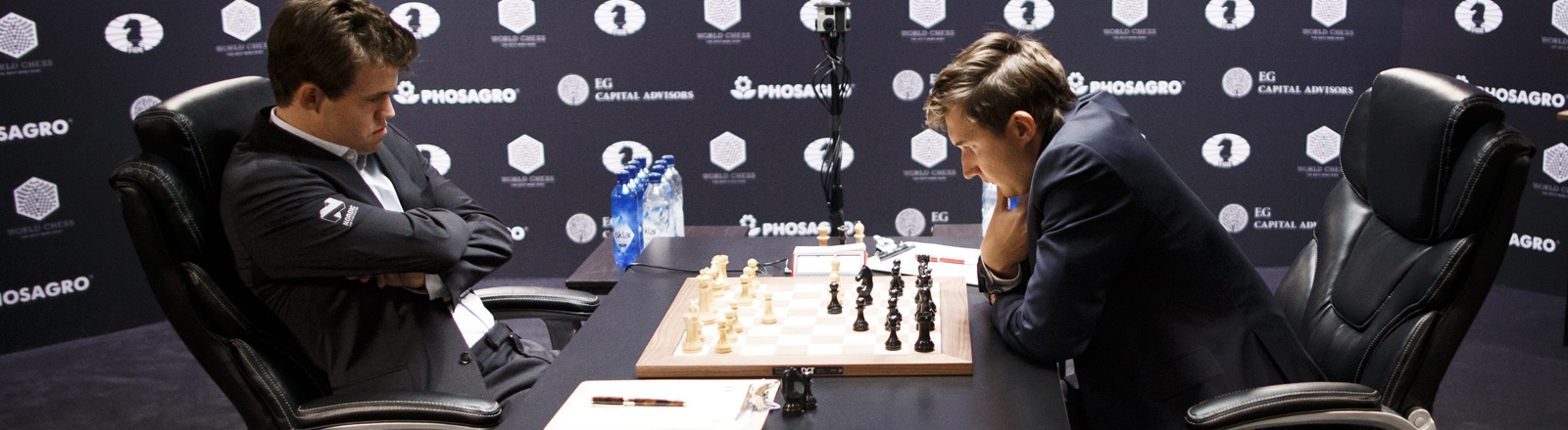 Magnus Carlsen gegen Sergei Karjakin
