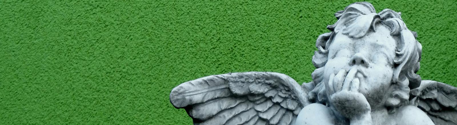 Büste mit denkendem Engel