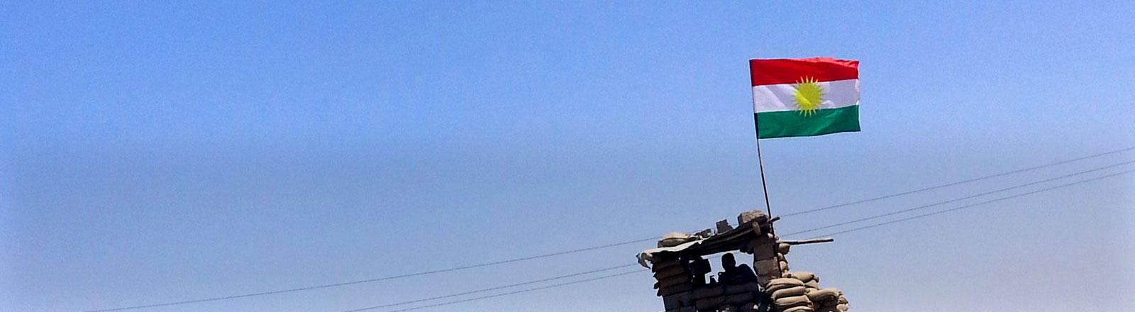 Ein kurdischer Checkpoint in der Nähe der Stadt Kirkuk im Nordirak.