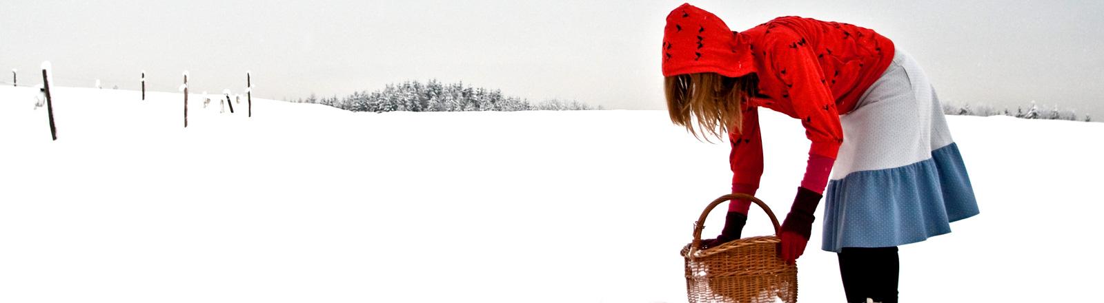 Rotkäppchen im Schnee