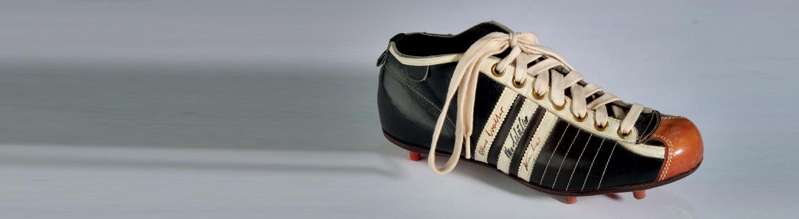 Der Fußballschuh von Fritz Walter aus dem Jahr 1954.