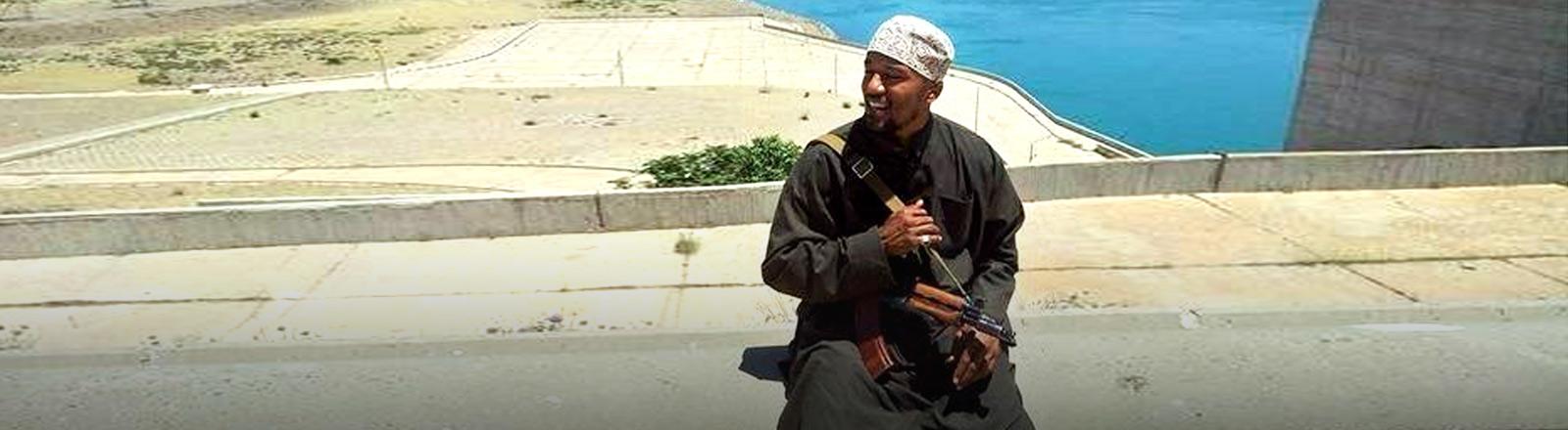 Denis Cuspert, ehemaliger deutscher Rapper, heute Mitglied des Islamischen Staates.