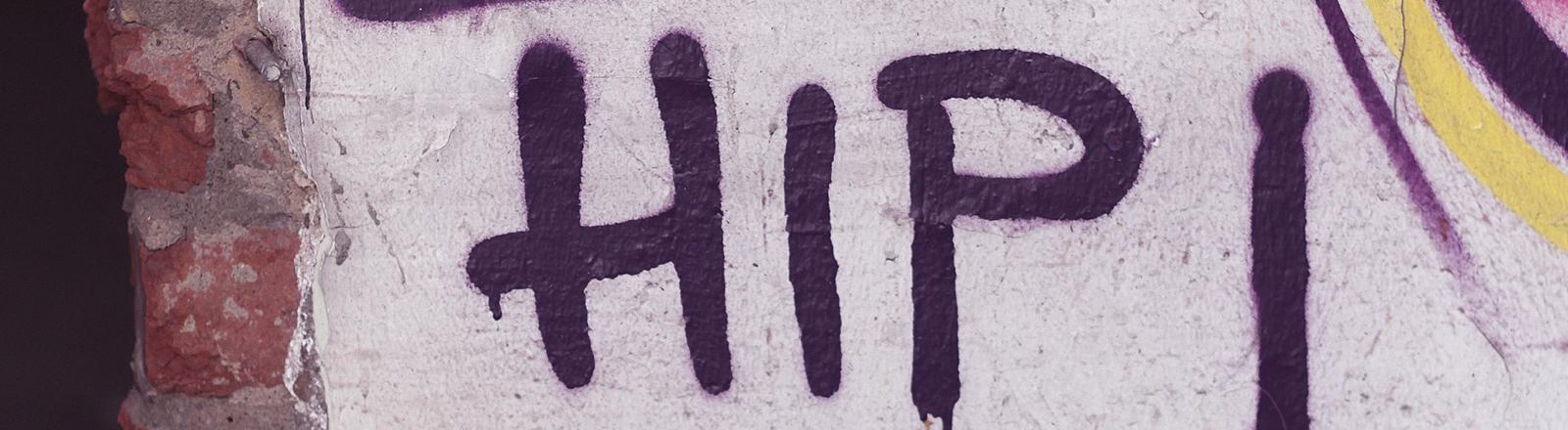 HipHop auf eine Wand gesprüht.