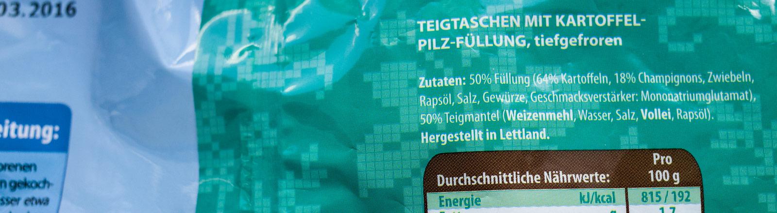 Die Zutatenliste eines Tiefkühlprodukts.