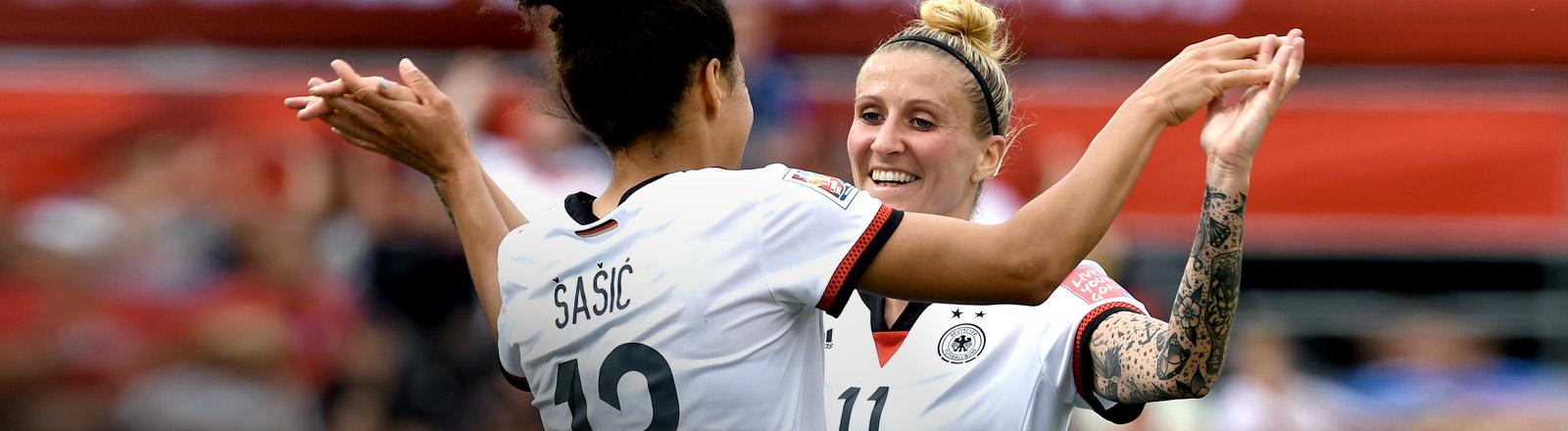 Die deutsche Fußball-Nationalmannschaft spielt bei der WM in Kanada gegen die Elfenbeinküste.